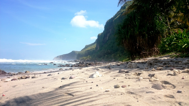 Pantai Menganti di Pagi Hari
