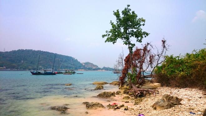 Pantai Pulau Merak Kecil