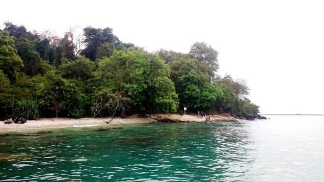 Pantai Pulau Merak Besar