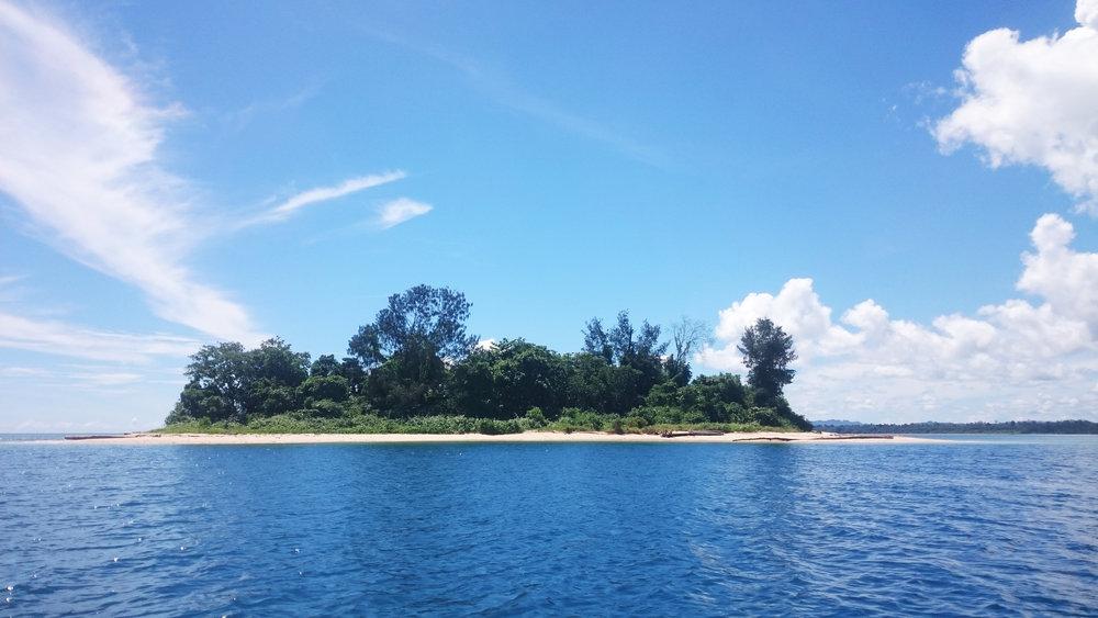 Pulau Sapalewa