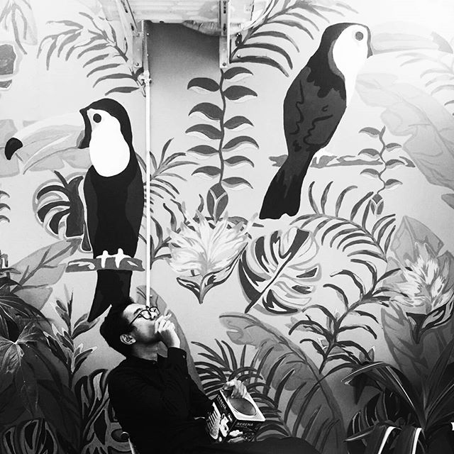 Eid Mubarak. Tangerang 1438 . . . #eidmubarak #despacito #blackandwhite #holiday #bnw #bw #art #mural #streetart #streetphotography #wallart #architecture #fashion