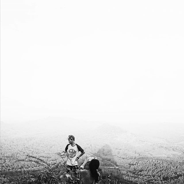 Snap. Pemalang 2017 Read the full story of my climbing to the top of Gunung Gajah, Pemalang at my personal website  www.worldoutsideyourown.com/miniarticles . . . #adventure #travel #blackandwhite #minimal #minimalist #mnml #blackandwhite #bnw #bw #ig_bw #instagram #indonesia #nature #livefolk