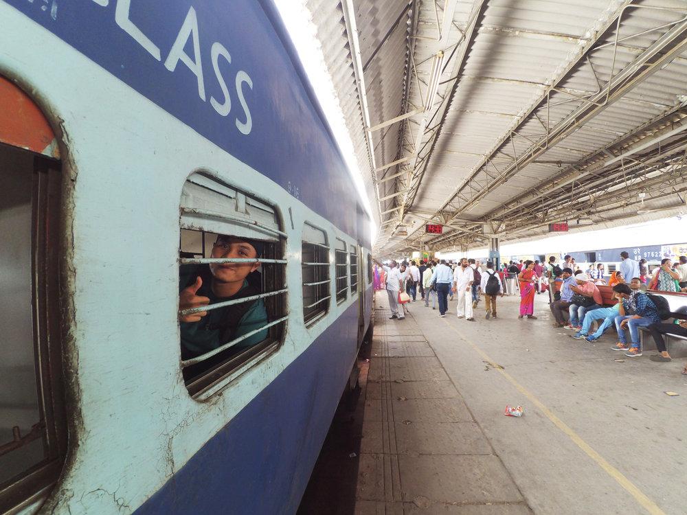 Peron Stasiun di India