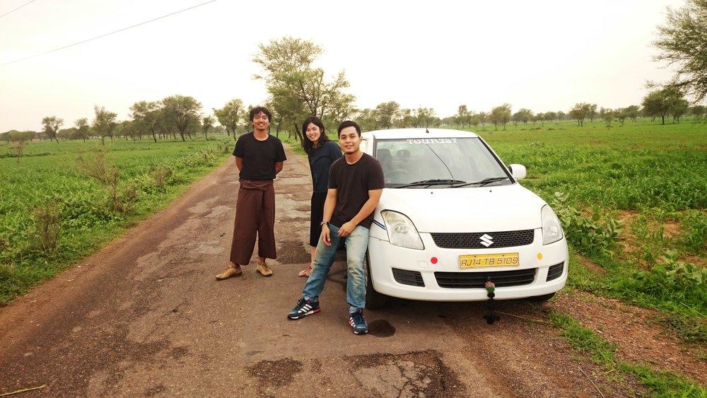 The Team di Pedesaan India