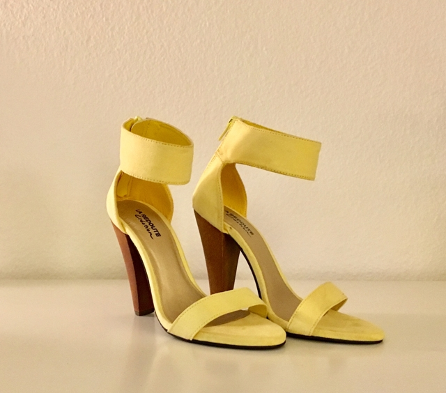 Yellow_shoes_cloé_bouchardy.jpg