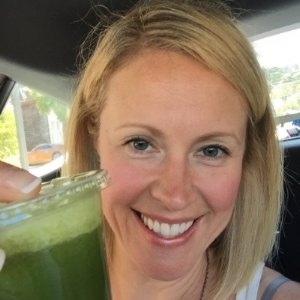 I'm Dr. Salna Smith, Naturopathic Doctor and owner of  www.kaleandcoffee.ca . I work with high achieving women who feel drained, overwhelmed and are tired of DIY'ing their own health and not getting results. I tailor health plans using lab testing and a detailed work up so these hard working souls can regain a sustainable energy, feel recharged and ready to tackle their priorities head on again!