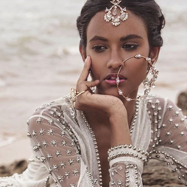 JEWELLERY INSPO // some serious jewellery goals here! What isn't there to love about this new fusion jewellery brand @outhousejewellery creating some beautifully stunning pieces. -  #wedding #weddingjewellery #nath #bridaljewellery #weddingshopping #weekendvibes #summerwedding #weddinginspiration #luxurywedding #destinationwedding #photographers_of_india #fusionwedding #internationalphotographer #peacock #tikka #asianweddingideas #asianwedding #londonbride  #luxewedding #weddingphotographer #instawed #engagement #maniscreative  #engaged  #justmarried #luxestationery #luxuryinvitations #modernasianbride #weddingstationery #weddingplanner
