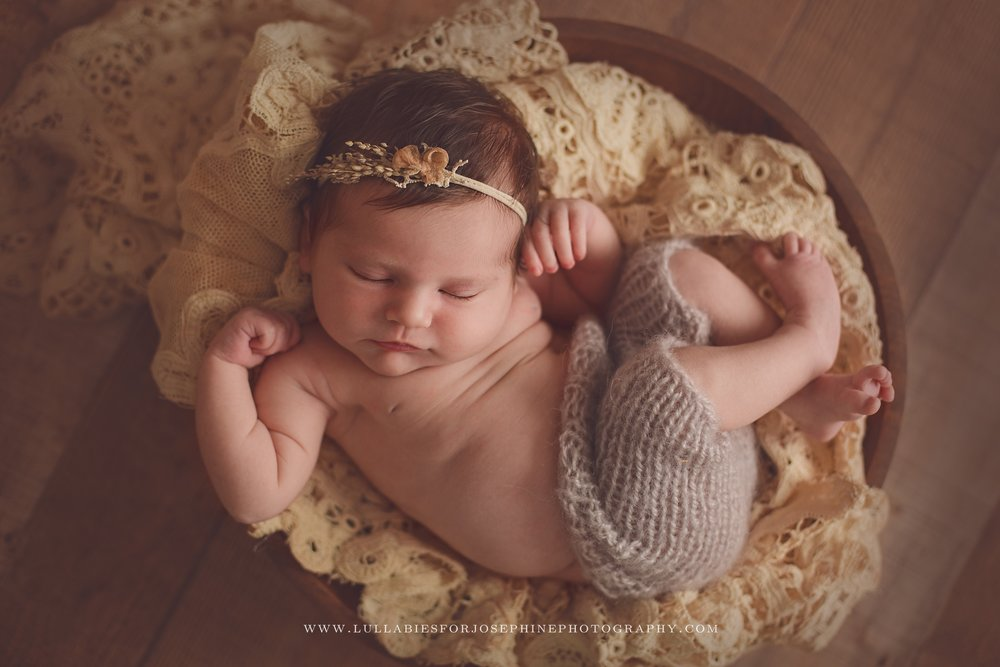 Lincoln park nj newborn photographer lace girl wool