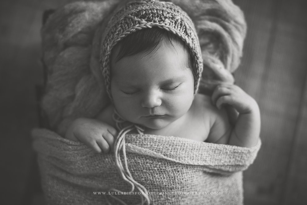 Lincoln Park, NJ-newborn-shoot-black and white-bonnet-newborn-girl