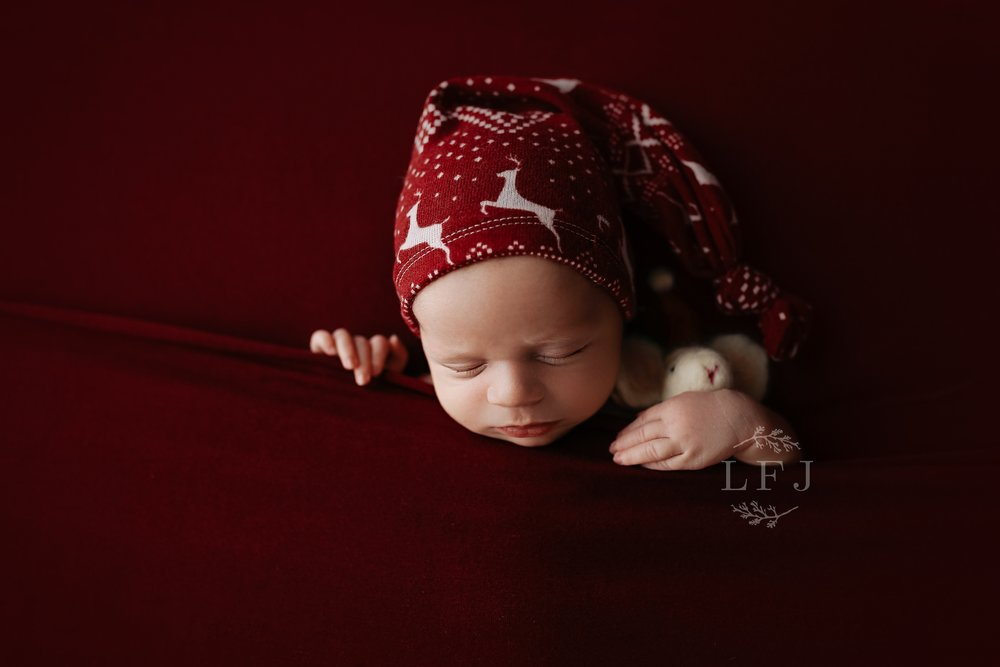 Morristown-baby-photographer-nj-christmas-red-holiday