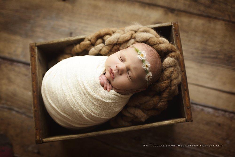 Newborn Photographer Montclair-Edgewater-Hoboken-Bloomfield-South Orange