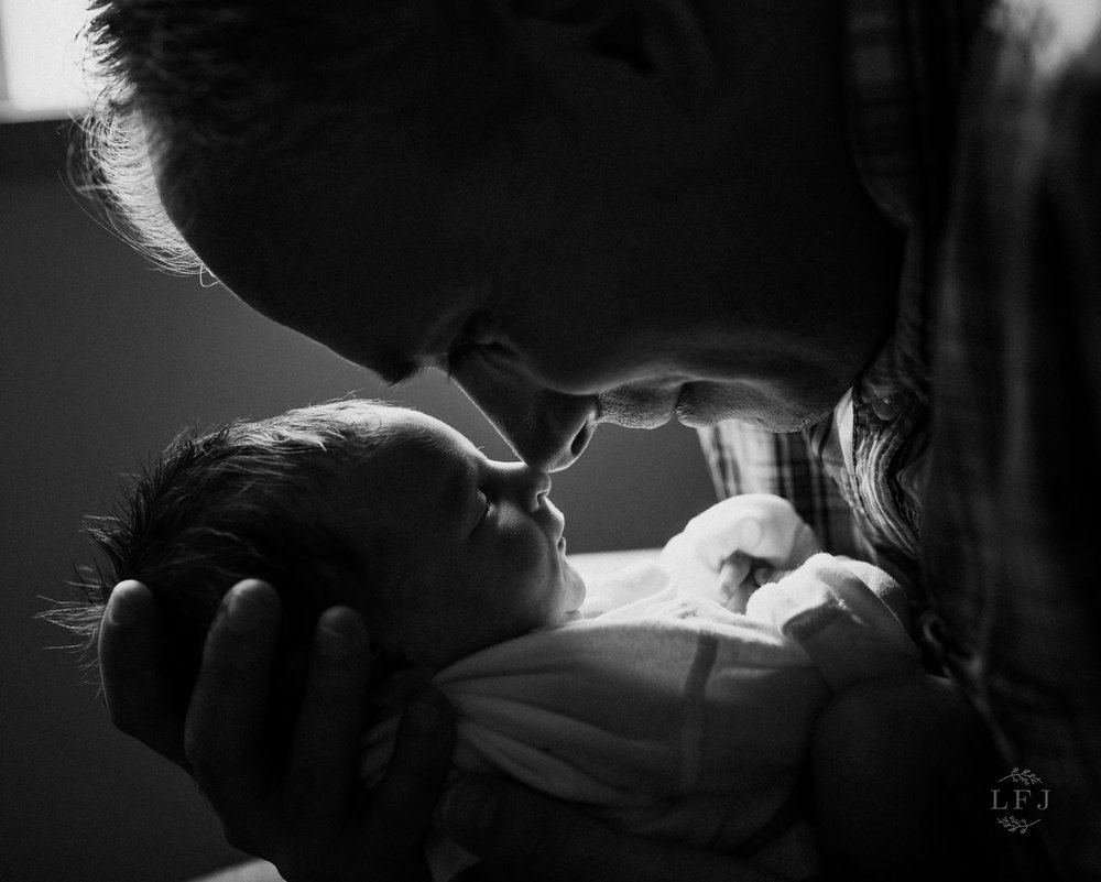 morris-county-nj-baby-photography-girl-newborn-hospital-fresh-lifestyle-dad-daddy-nose-backlight