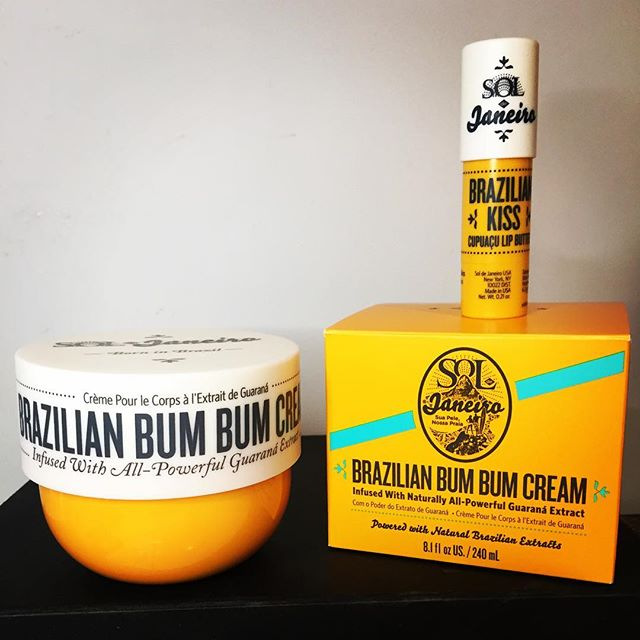 The Brazilian Bum Bum cream from @soldejaneiro - I must be stupid to think this will actually do anything for cellulite (nothing can, scientifically) , but it's the loveliest 'firming' cream I've ever come across! Smells good enough to eat and does feel lovely and very moisturising on the skin. A trip to Rio in a jar! I also got a free lip balm when I purchased from @cultbeauty which is very nice. Expectations are low on whether it will actually turn a 🍊peel arse into a 🍑 but I will report back (but thankfully you will be spared the before and after shots!) #soldejaneiro #brazilianbumbumcream #bodycream #instabeauty #instaglam #cultbeauty #beauty #beautyhaul #haul #skincare #skincareblogger #beautyblog #beautyblogger #skincareblog #beachbody #🍑