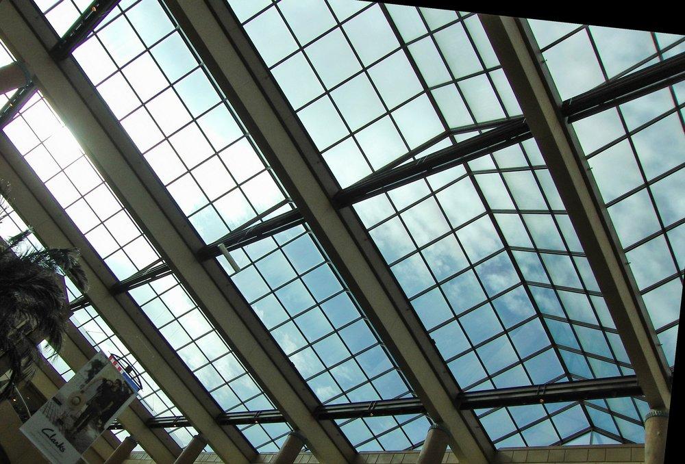 skylight-123257_1920.jpg
