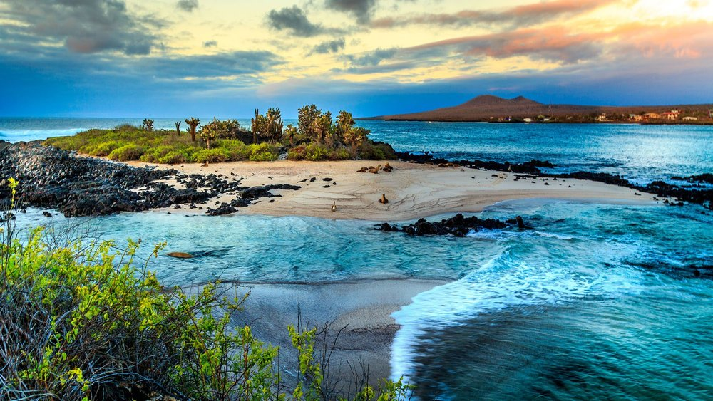 Galapagos-Islands-View-to-Island_16_9.jpg
