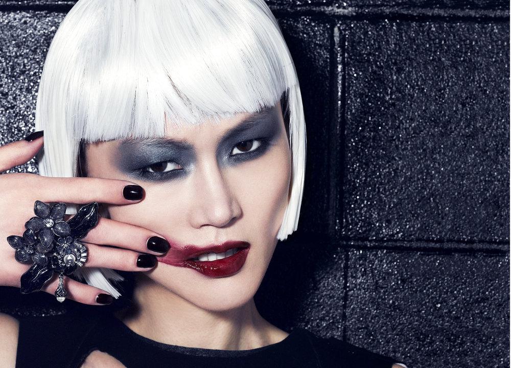 asian beauty white wig:6a.jpg