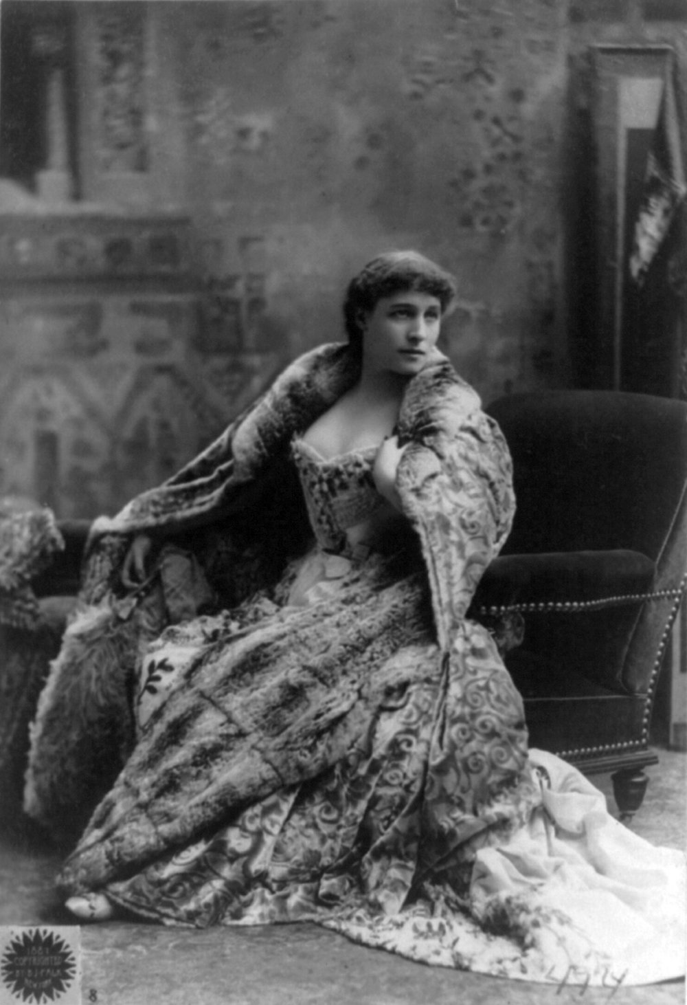 Lillie_Langtry_cph.3b32960.jpg