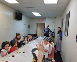 Camp 613 Preschool Loves Their Shabbat Party - Jewish Link July 6, 2017