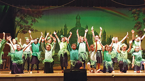 Camp 613 Wows Its Audience in 'The Road to Oz' - Jewish Link, August 24, 2017