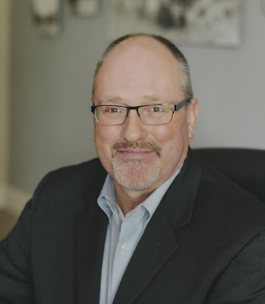 Chris R. Sundstrom