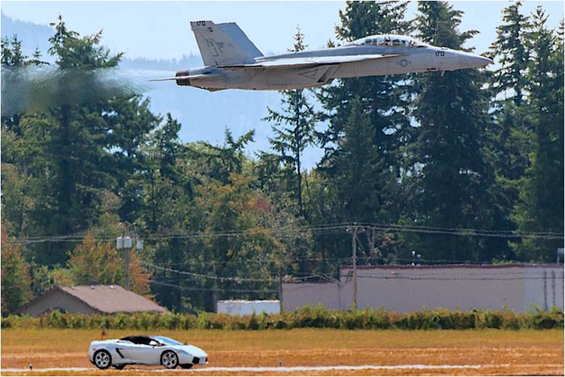 lambo vs F18.jpg