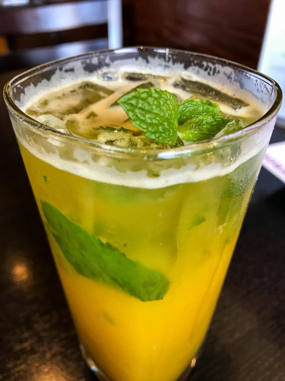 Ginger mango-jito