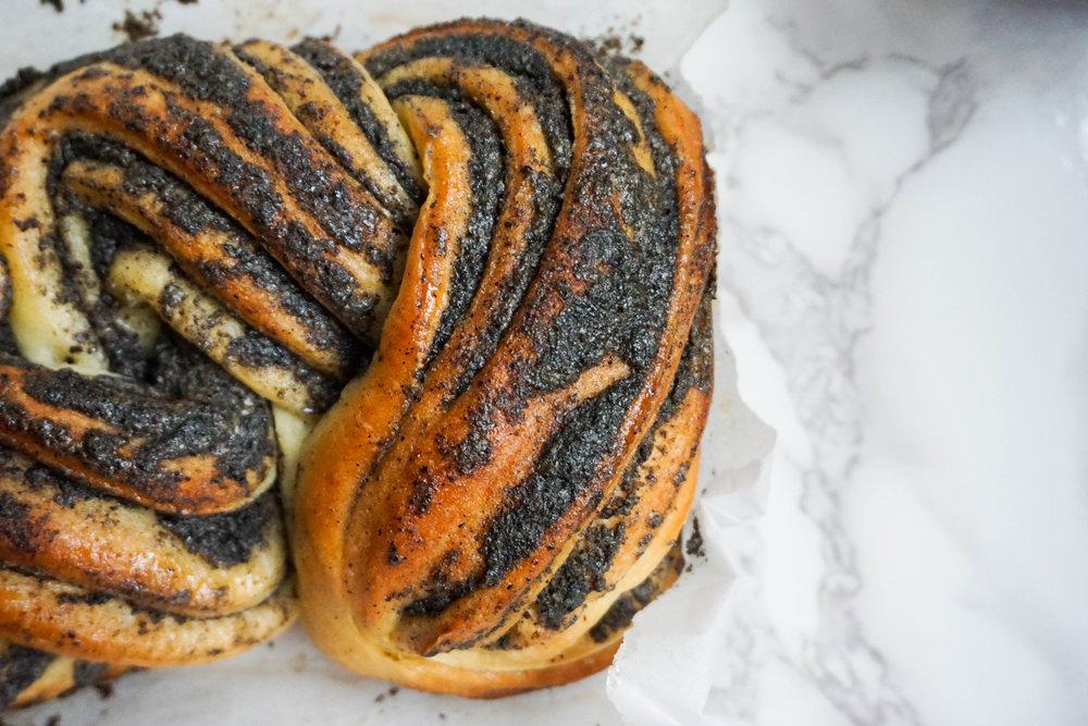 Black sesame loaf
