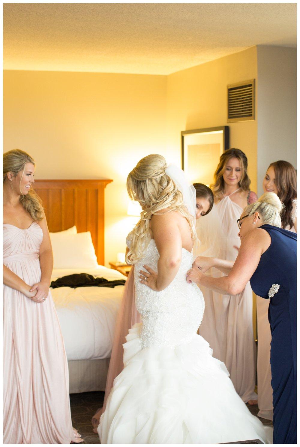 pinstripes-wedding-photo-11.jpg