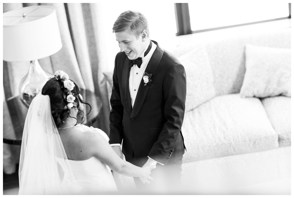 first-look-ritz-carlton-chicago-wedding