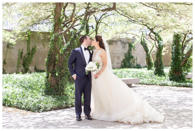 art-institute-of-chicago-wedding-photos