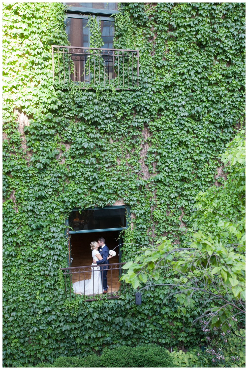 ivy-room-chicago-wedding-portrait