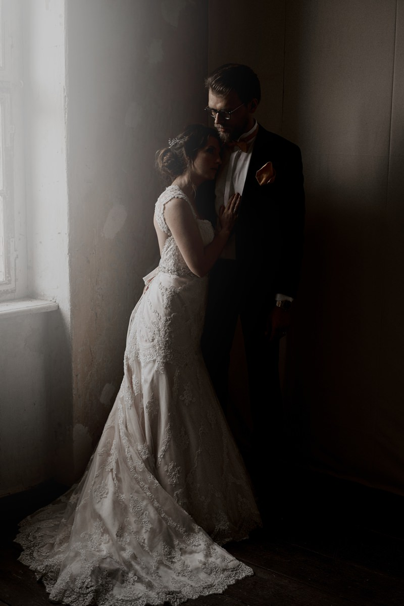 The Mirror Collection - 4 hours Night-Before Coverage11 hours Wedding Day Coverage4 hours Morning-After Coverage360 photographs printed in three Fine Art Albumsmatching digitals for online sharing included4 Gift-Portfolios for loved ones______10390 Euro
