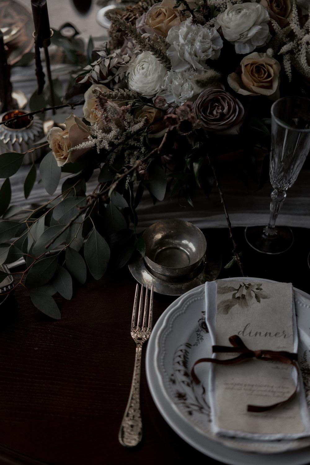 Eine kleine Idee - Ihr kennt euch gegenseitig am besten.Wenn ihr Lust habt, stellt euch, jeder für sich, einmal diese Frage:Wenn du einen perfekten Tag für deinen zukünftigen Ehemann / deine zukünftige Ehefrau planen würdest, wie würde so ein Tag aussehen?Gibt es vielleicht eine Möglichkeit, eine Kleinigkeit davon in euren Hochzeitstag einzubrigen, um ihn noch besonderer zu machen?