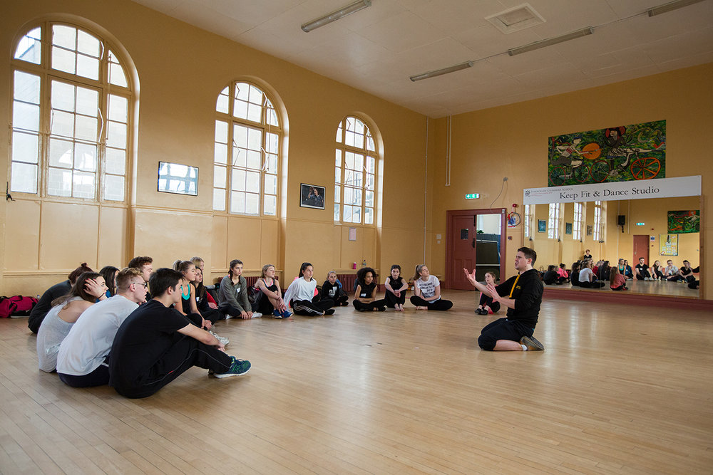 DPTA Principal and West End Performer Damien Poole talks to the Jazz Dance Workshoppers
