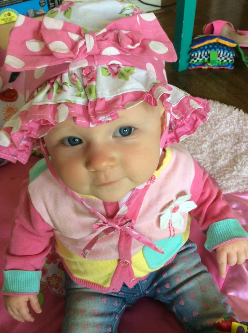 💖 Stunning bonnet from  Limonada , and the baby isn't bad either!