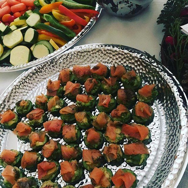 Healthy app idea for your holiday gathering 🎄🤩#smokedsalmoncucumberbites #fresh #bitesized #alwaysfindawaytostayhealthy