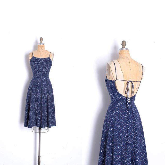 I can never resist these cotton tie-back sundresses, they're so perfect! This one was just listed, size small