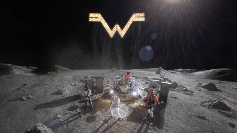 Weezer - Wide Moon Shot.png