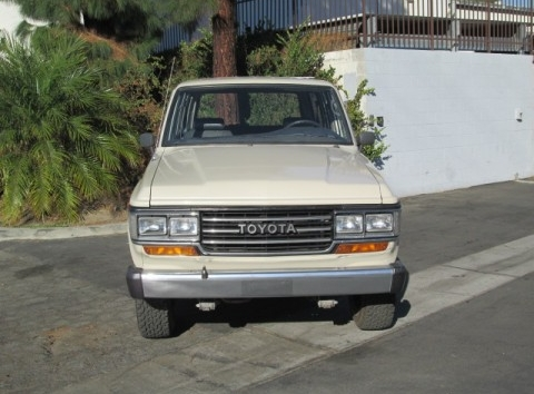 Land Cruiser A (1988 PCW) - 1.jpg