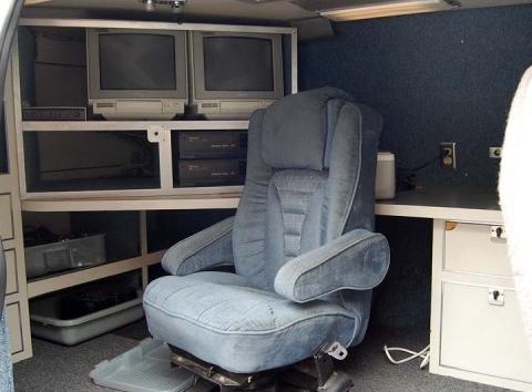 Surveillance Van - detail-------2068a43.jpg