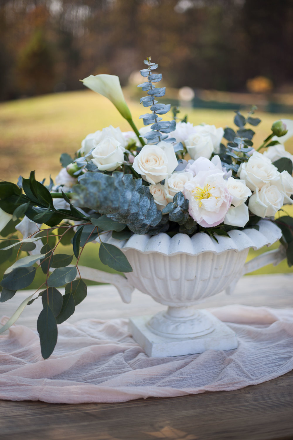 Royal White Urns