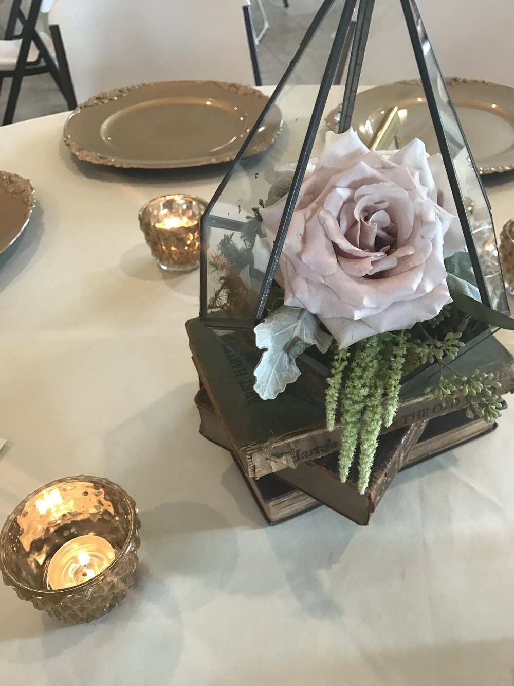 Black Terrariums Used as Centerpieces