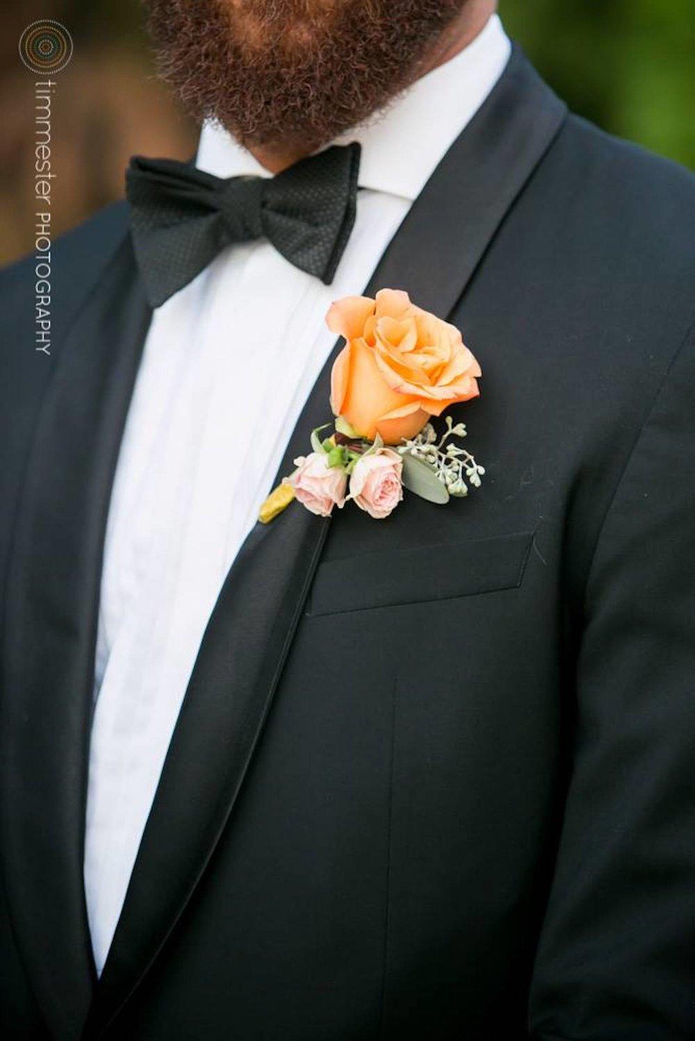 flowers-groom.jpg