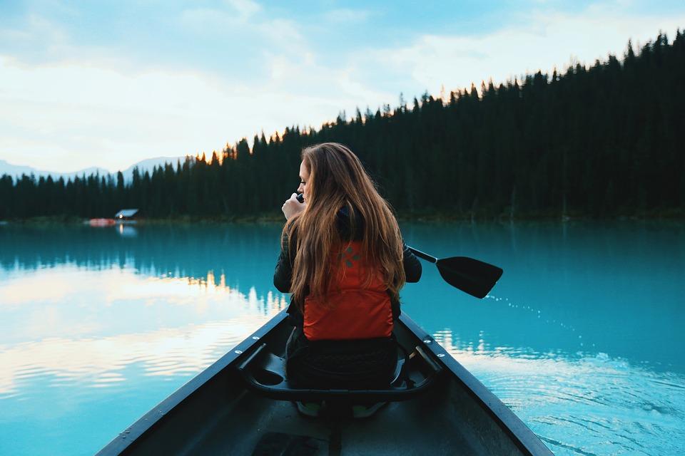 canoeing-1081890_960_720.jpg