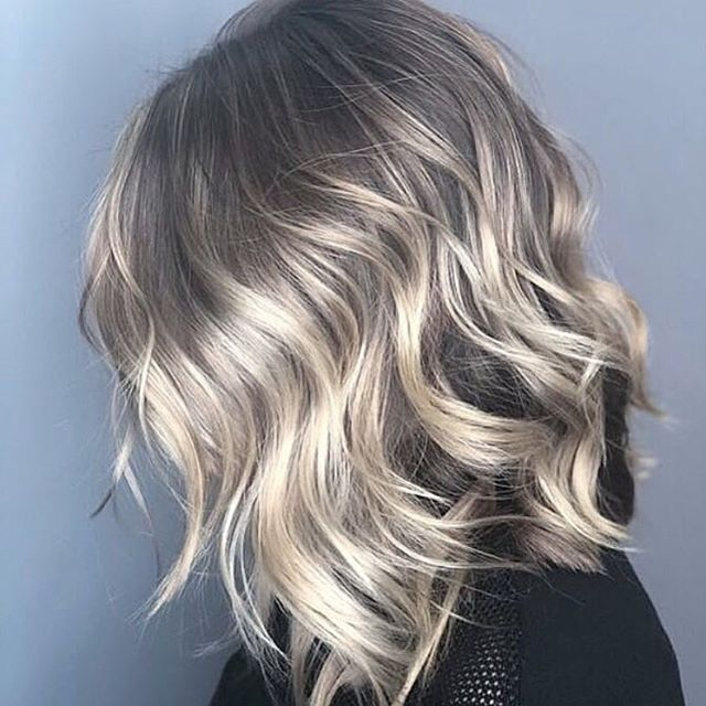 That blend tho 👌 . . #razzmatazzhairstudio #licensetocreate #cosmoprofbeauty #capecodbalayage #capecodsalon #capecodhairstylist #bestofcapecod #foilayage #ittakesapro #redkenshadeseq #behindthechair #btcfirstfeature #hairinspo #babylights #haircolorist #blondespecialist #livedinhair