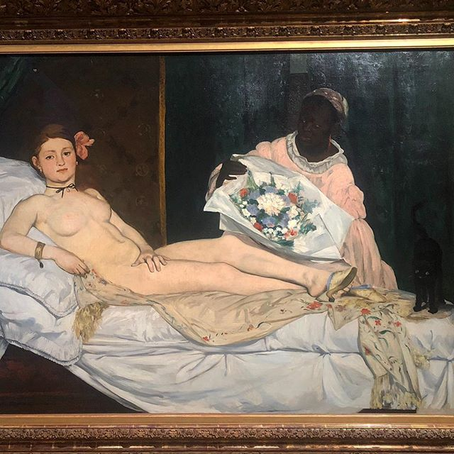 Waited years to see this painting irl... Spent years staring at it in the Senior Library at Ross but it didn't really arise in my consciousness until recently. #Olympia . . . . . #manet #museedorsay #paris #france #iconic #artthatstickswithyou #painting #novemberinparis