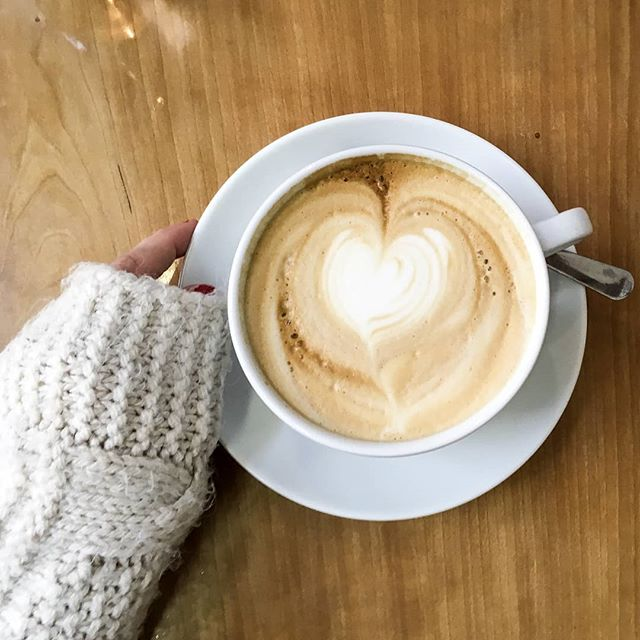 All the coziness in our art & photography section today. 📸☕ Go see Holly's sweet coffee shot! . . #art #photography #photo #truegoldmag #coffee #cozy #warmth #peace #jesus #godisgood #ptl #coffeeholic #coffeetime #espresso #thankyoujesus #yummy