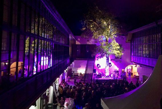 568px-Vetrinjski_dvor_2017_Event_at_inner_courtyard.JPG
