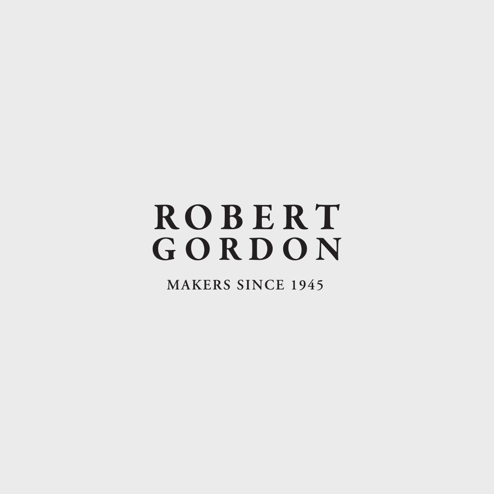 Robert Gordon Robert Gordon are one of Australia's last large scale potteries and have been manufacturing high fired stoneware for over 25 years. A wide variety of projects were completed including catalogues, in-store signage, digital design, product design for paper products and ceramics, and product photography.