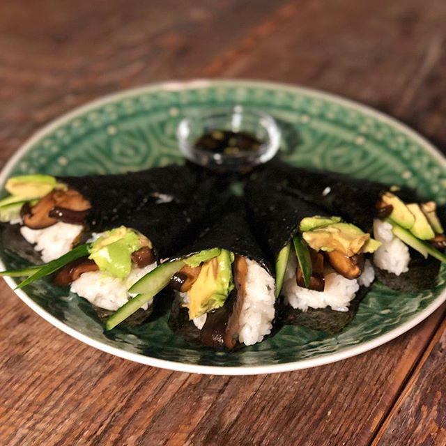 I made teriyaki shiitake hand rolls and now I think I'm fancy. Recipe can be found on the blog, you are welcome! #yogafuel #veganfoodporn #plantpower #sarabeehealth